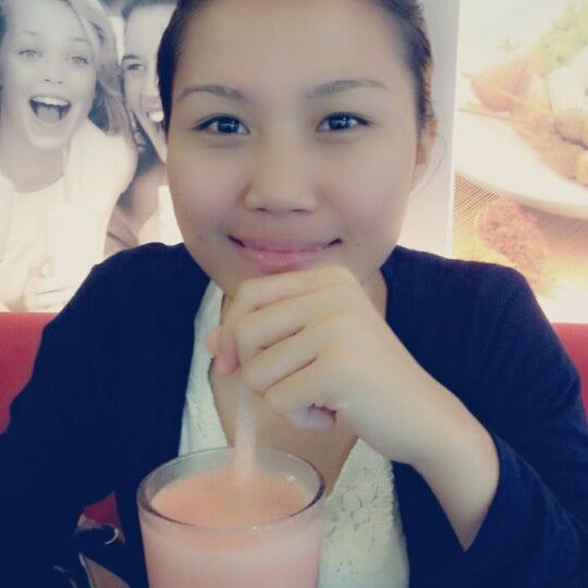 Photo taken at Secret Recipe by Copo C. on 1/29/2014