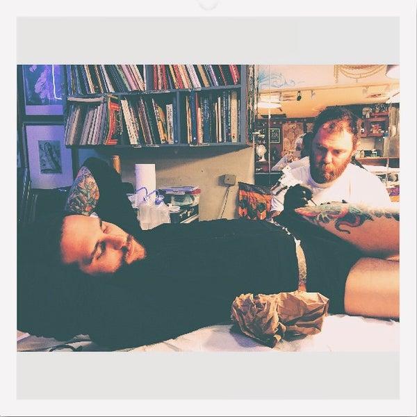 Temple tattoo tattoo parlor in oaksterdam for Find tattoo parlor