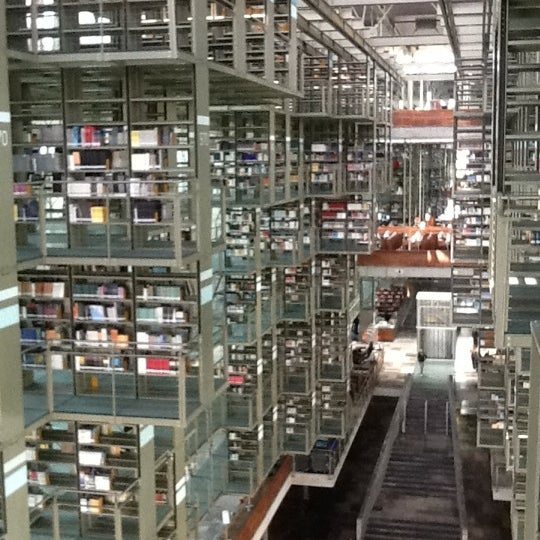 Photo taken at Biblioteca Vasconcelos by Mariana T. on 10/6/2012