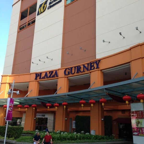 Photo taken at Gurney Plaza by Mehikari00 on 1/12/2013