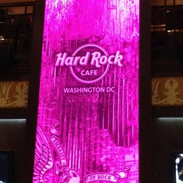 Photo taken at Hard Rock Cafe Washington DC by Shannon T. on 5/5/2014