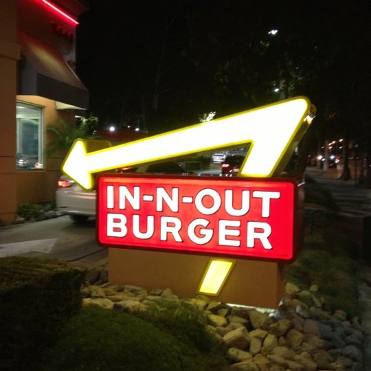 Photo taken at In-N-Out Burger by Whit R. on 10/14/2012