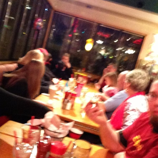 Photo taken at Red Robin Gourmet Burgers by @MiVidaSeattle on 1/17/2013