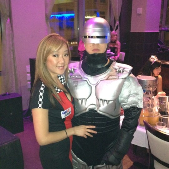 Photo taken at PNK Restaurant & Ultra Lounge by Jerry W. on 10/28/2012