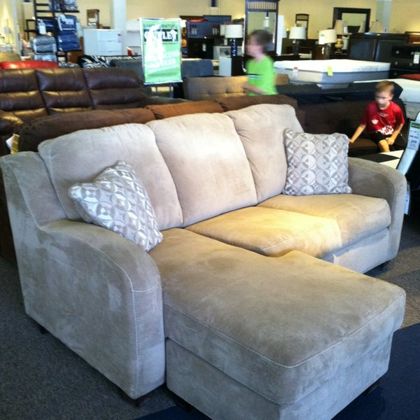 Sam levitz furniture outlet flowing wells 9 tips from for C furniture warehouse