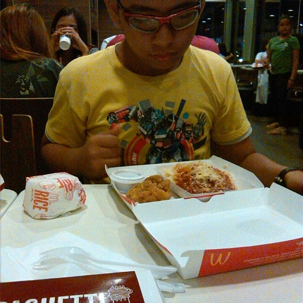 Photo taken at McDonald's by Ness G. on 3/24/2015