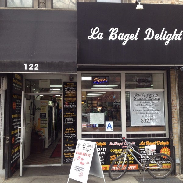 Photo taken at La Bagel Delight by David H. on 3/28/2014