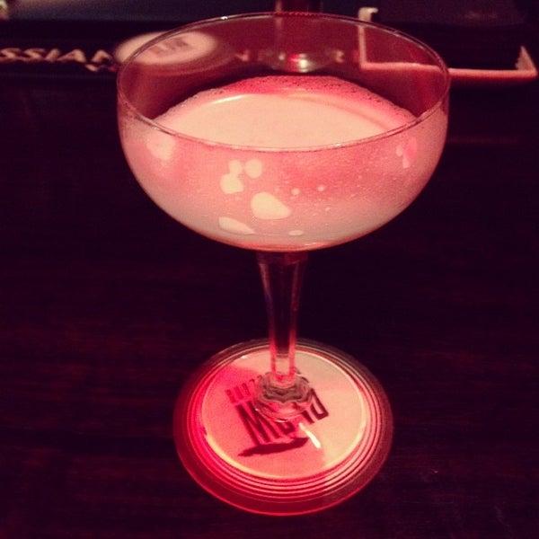 Photo taken at Slow Barcelona Cocktails & Boîte by borja s. on 12/6/2013