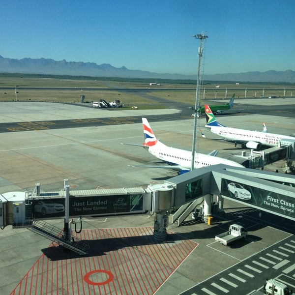 Photo taken at SAA Business Lounge Cape Town by Simon V. on 6/17/2013
