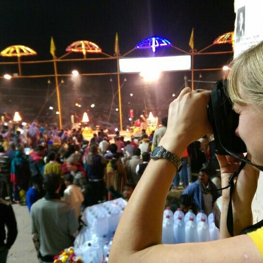 Photo taken at Dasaswamedh Ghat by Татьяна К. on 1/10/2016