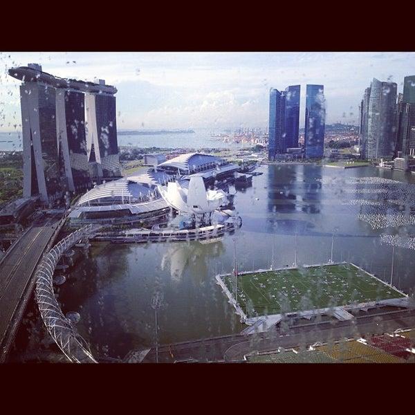 Photo taken at The Ritz-Carlton, Millenia Singapore by Voraniya T. on 12/20/2012