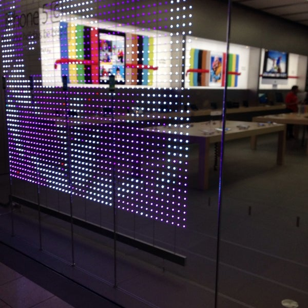 Photo taken at Apple Store, Bellevue Square by Davide V. on 11/22/2013