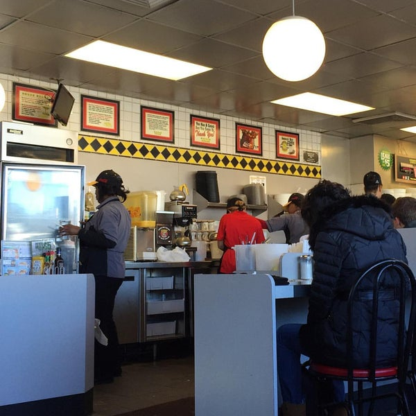 Photo taken at Waffle House by J.R. A. on 1/24/2016