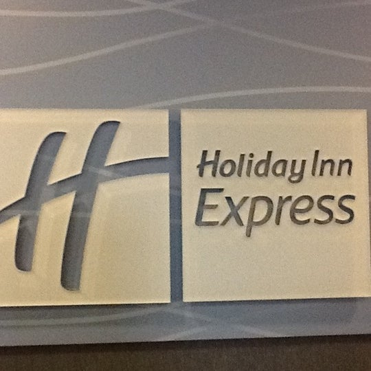 Photo taken at Holiday Inn Express by Stacey B. on 11/12/2012