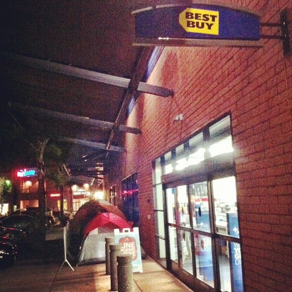 Opening hours for Best Buy in La Jolla