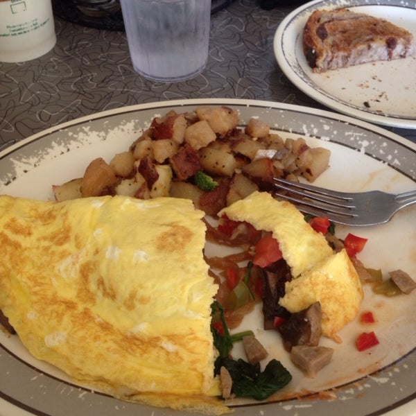 Photo taken at Fred's Breakfast by Andrea C. on 9/30/2014