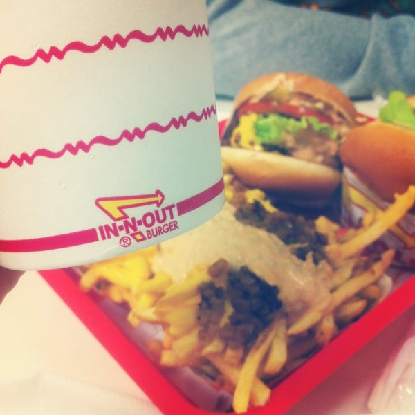 Photo taken at In-N-Out Burger by Naila F. on 3/16/2013