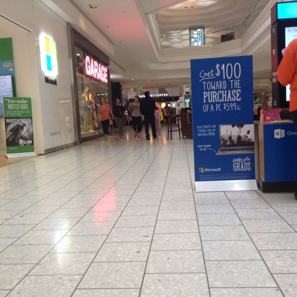 Photo taken at Woodfield Mall by Fnk C. on 5/19/2014