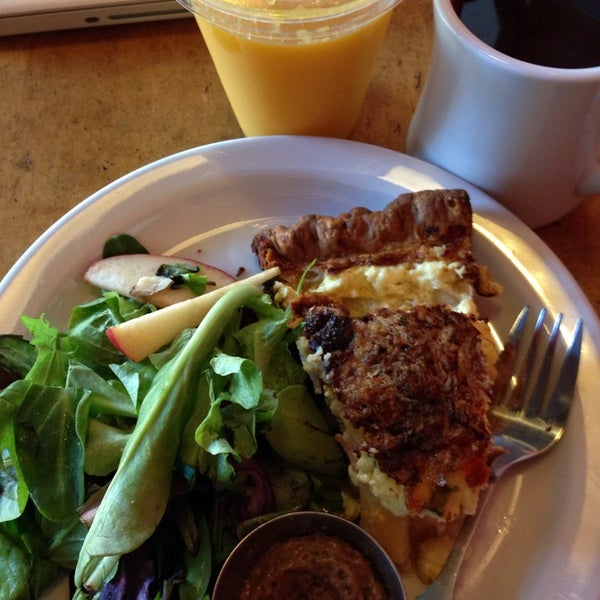 Photo taken at Crema Bakery and Cafe by Jane P. on 1/5/2014