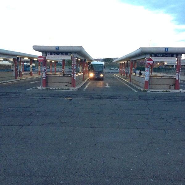 Foto scattata a Terminal Bus Anagnina da Elvis M. il 4/5/2014