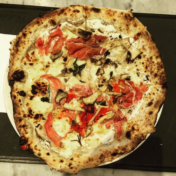 Photo taken at Franco Manca by Dan H. on 1/5/2016