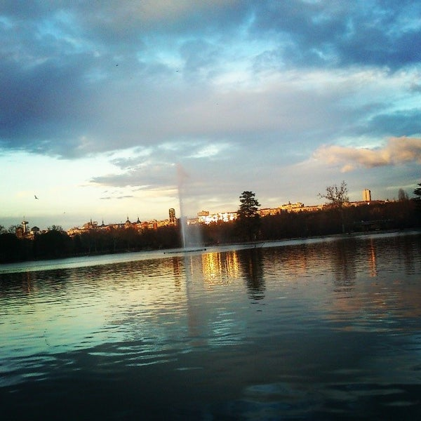 Photo taken at Lago de la Casa de Campo by Rubén P. on 1/26/2014