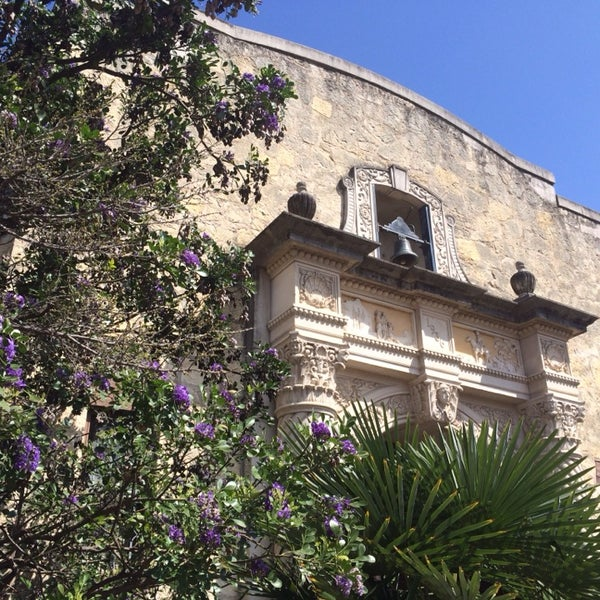 Photo taken at The Alamo by Andre G. on 3/11/2014