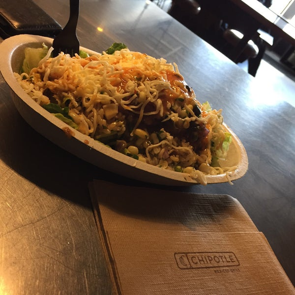 Photo taken at Chipotle Mexican Grill by SANA K. on 3/17/2015