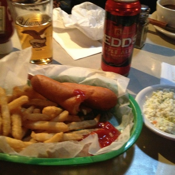 Photo taken at Tune Inn Restaurant & Bar by Alaina S. on 3/21/2013