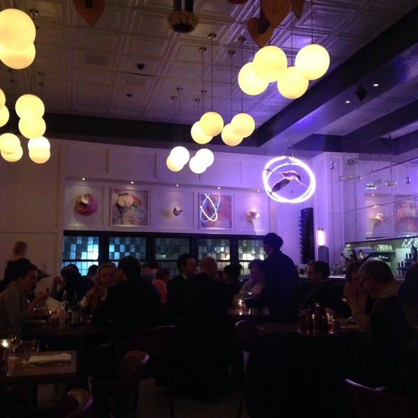 Photo taken at HIX – Dining Bar by Louise M. on 2/10/2014