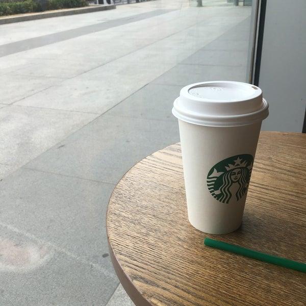Photo taken at Starbucks 星巴克 by Galya T. on 7/4/2016