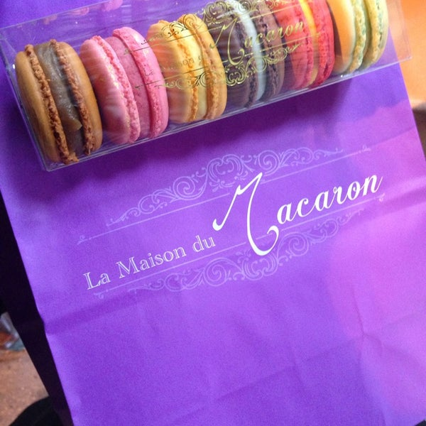 Photo taken at La Maison du Macaron by Vu N. on 4/5/2014