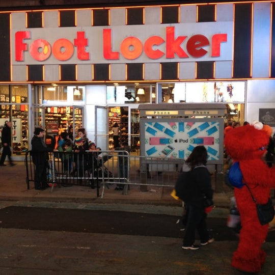 foot locker theater district new york ny. Black Bedroom Furniture Sets. Home Design Ideas