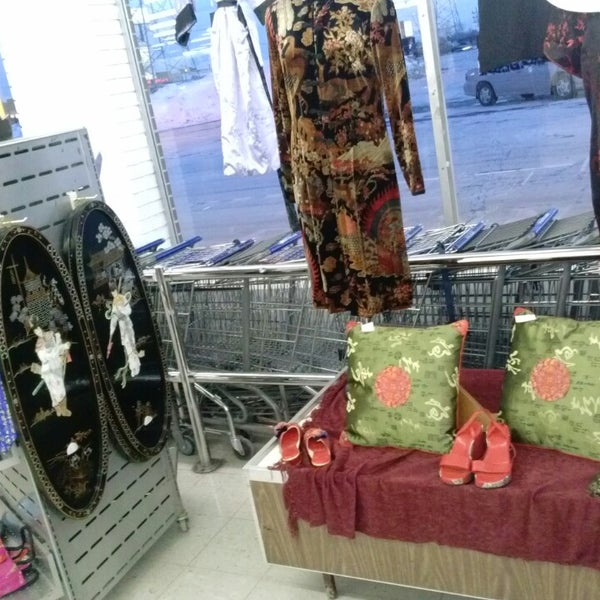 Photo taken at Value Village by Jennie on 1/8/2014