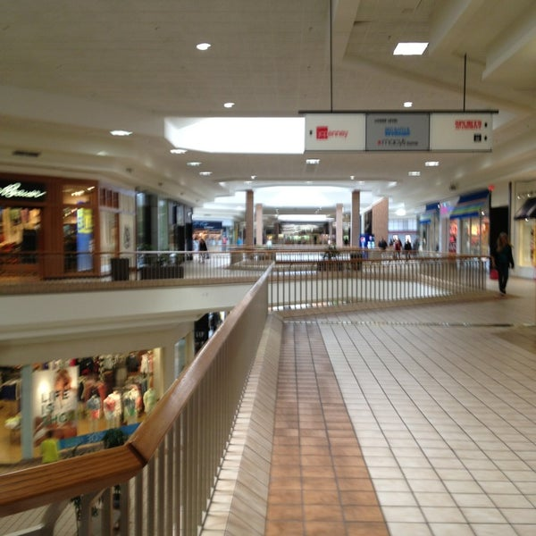 Food Court Rogue Valley Mall