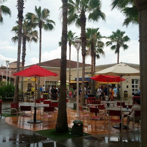 Photo taken at Orlando Premium Outlets - Vineland Ave by Gustavo B. on 6/29/2013