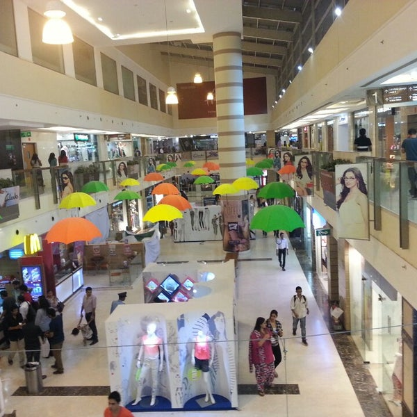 Dlf Place Saket Shopping Mall In New Delhi