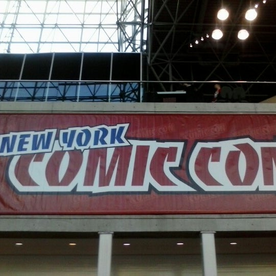 Photo taken at New York Comic Con 2012 by Iwasaku T. on 10/14/2012