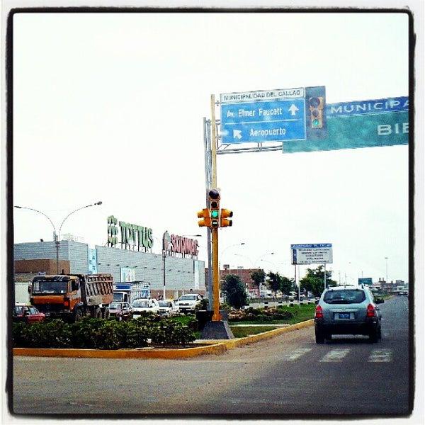 Photo taken at Open Plaza Canta Callao by Daniel Angello on 11/16/2012