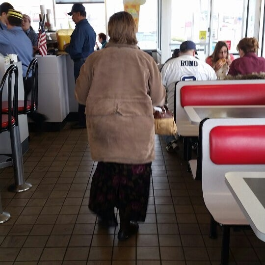 Photo taken at Waffle House by Ken E. on 12/20/2014