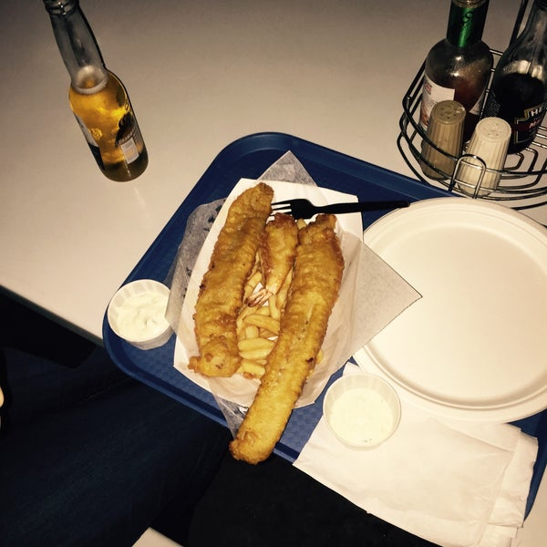 Photo taken at Harbor Fish and Chips by Christopher M. on 1/23/2015