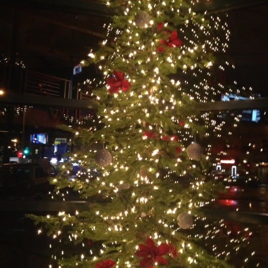 Photo taken at Iron Horse Brew Pub by Jenna M. on 12/5/2012