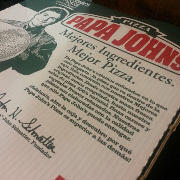 Photo taken at Papa John's by Eduardo a. on 5/17/2014