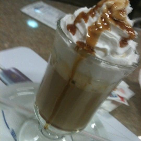 Photo taken at Air Café Palheta by Julio C. on 10/8/2012