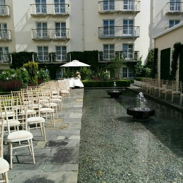 Photo taken at Merrion Hotel by Dilek U. on 8/1/2015