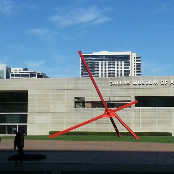 Photo taken at Dallas Museum of Art by Bling Blinky E. on 3/12/2013