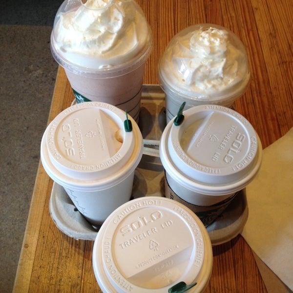Photo taken at Starbucks by Tet B. on 5/17/2014