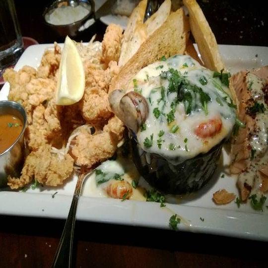Photo taken at Pappadeaux Seafood Kitchen by Warren R. on 3/7/2013