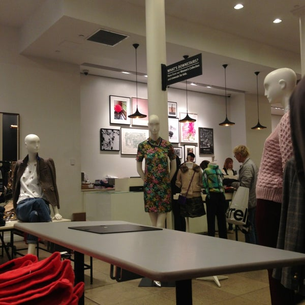 Photo taken at J.Crew by Abdul M. on 9/17/2013