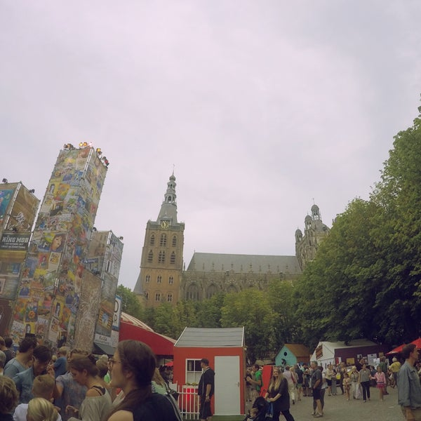 Photo taken at Festivalplein Theaterfestival Boulevard by Rusdi B. on 8/9/2015